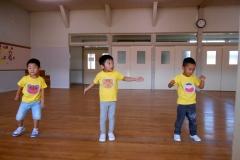みんなで踊ると楽しいよ!